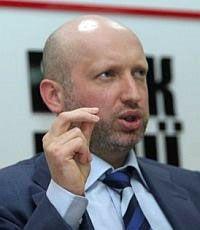 Турчинов прибыл на допрос по делу Луценко