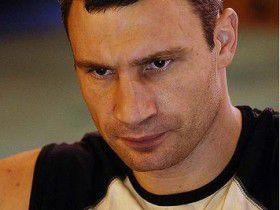 Виталий Кличко объявил благодарность Ленноксу Льюису