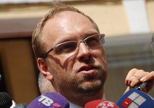 Власенко: Результаты осмотра Тимошенко иностранными специалистами