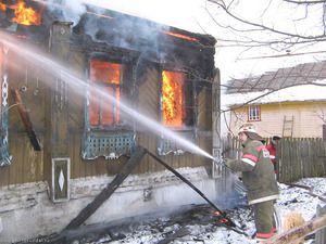 В течение суток зарегистрировано 5 пожаров. Погибли 2 человека