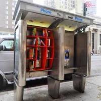 Нью-Йоркские телефонные будки превратились в мини-библиотеки