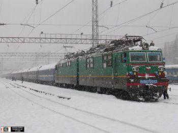 Три потяги, які йдуть через Чернівці, застрягли в Румунії