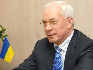Азаров вперше за 2 роки заговорив російською