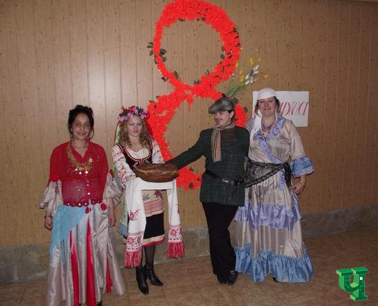 В Мариупольской женской «зоне» открыли торговые павильоны