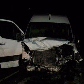 В кровавом ДТП на дороге Киев - Харьков - Довжанский погибли 2 человека, еще 7 в больнице