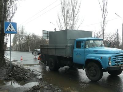 """В Донецке укладывают """"полицейских"""""""