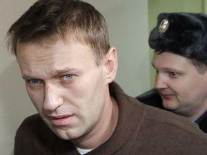 Навального оштрафували на тисячу рублів, а суд над Лімоновим перенесли