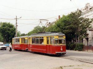 Комуністи кататимуть людей в трамваї за три копійки