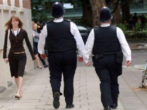 У Британії поліцейських хочуть карати за надмірну вагу
