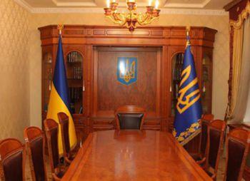 Янукович опробовал новый кабинет в Межигорье на Балоге