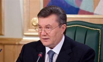 Янукович поздравил всех женщин с 8 марта